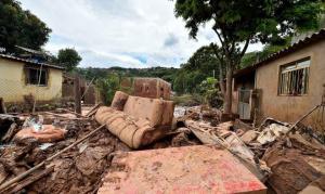 """Chuvas causam 53 mortes em MG e líderes pedem orações: """"Pedimos socorro"""""""