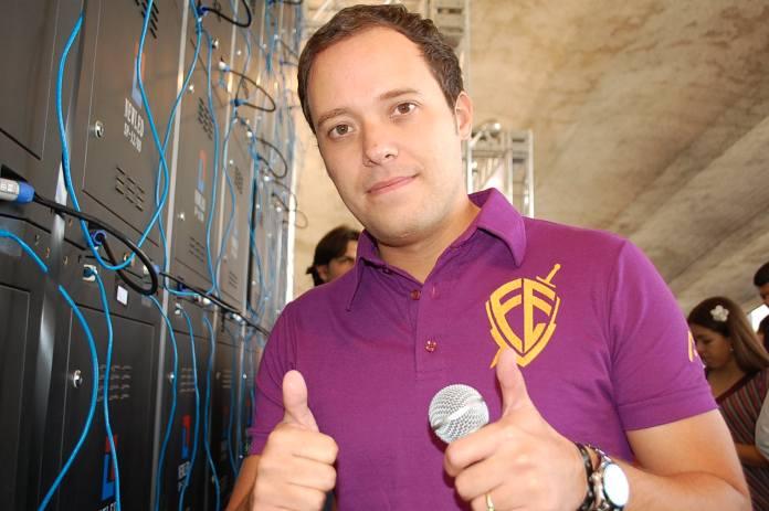 Cantor gospel André Valadão