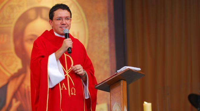 Padre Paulinho Oliveira, da Comunidade Canção Nova