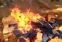 Bíblias queimadas na Índia