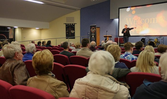 O filme foi exibido na Igreja Batista de Ballynahinch, na Irlanda do Norte.