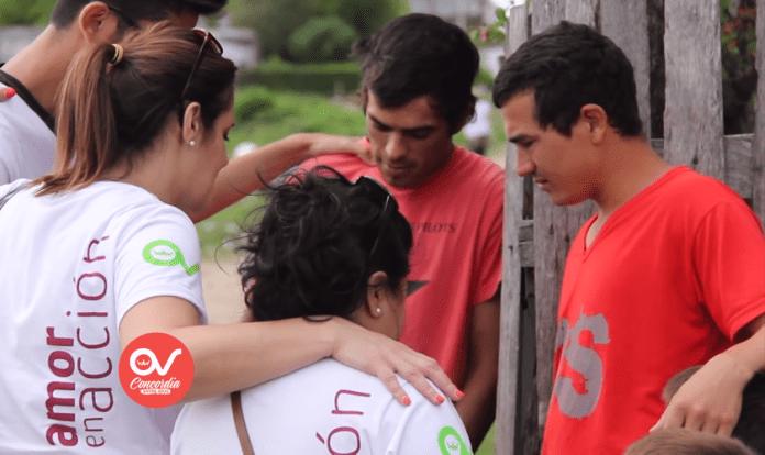 Cristãos evangelizam nas ruas de Buenos Aires durante
