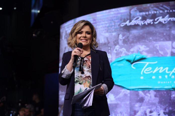Ana Paula Valadão durante congresso do Diante do Trono em março de 2018