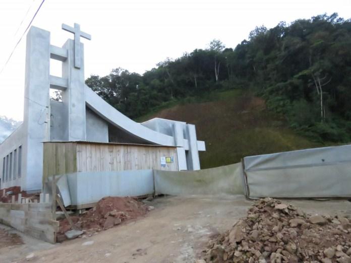 Igreja sendo construída