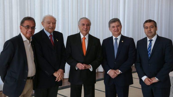 Michel Temer reunido com Ronaldo Fonseca (Pode/DF), Manoel Ferreira, J. Wellington Jr. e Ronaldo Nogueira.