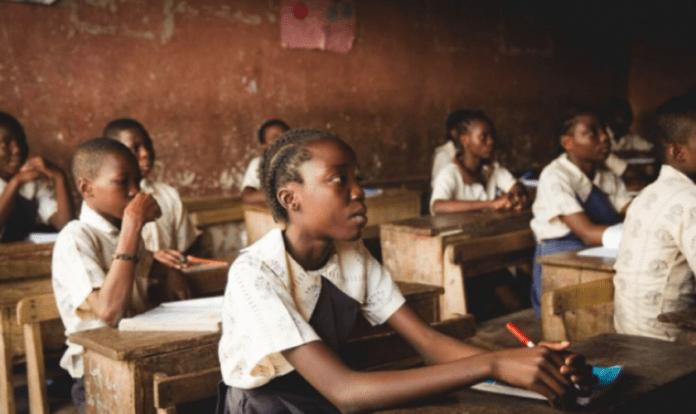 Crianças cristãs são obrigadas a seguirem outras religiões nas escolas