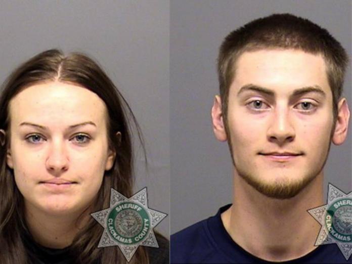 Sarah e Travis Mitchell foram condenados pela morte de bebê por causa de crença religiosa (julho 2018)