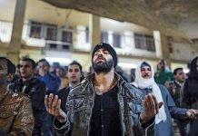 Mais de 1.500 muçulmanos se entregaram a Jesus nas últimas três semanas da campanha de jejum e oração da Bíblias para o Oriente Médio. (Foto: Human Life Matters)