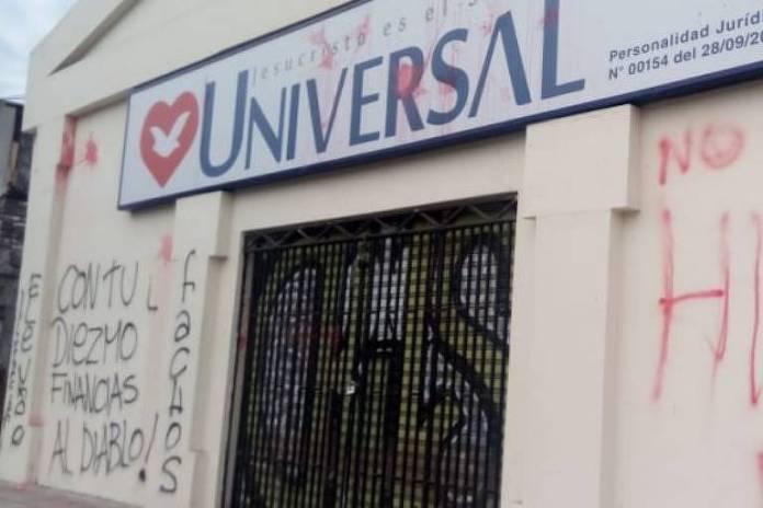 Templo da Universal do Chile é pichada com dizeres anti-Bolsonaro - Divulgação