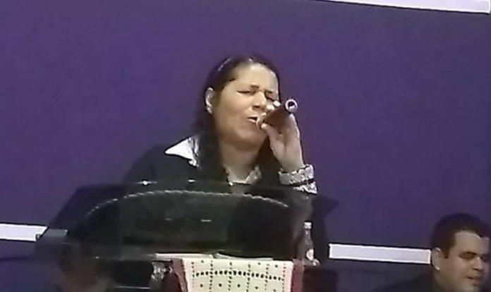 Vera Lúcia faleceu enquanto ministrava em um culto em Campo Grande, no Mato Grosso do Sul. (Foto: Reprodução)