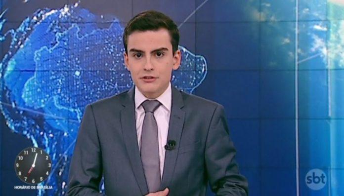 Dudu Camargo Dudu Camargo apresentando o telejornal do SBT, Primeiro Impacto.