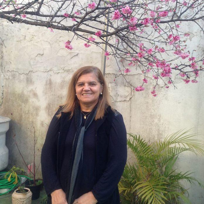 A coordenadora pedagógica Marilena Ferreira Vieira Umezo, de 59 anos, foi uma das vítimas dos dois atiradores que abriram fogo na Escola Estadual Raul Brasil, em Suzano, nesta quarta-feira (13). (Reprodução/Facebook/Veja SP)