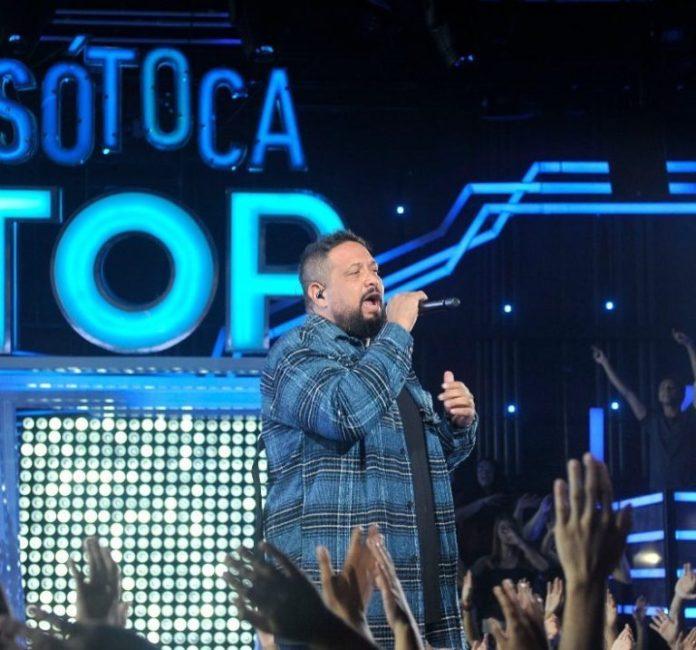 Fernandinho participa do programa Só Toca Top, da Rede Globo