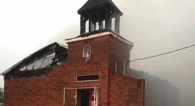 incêndio em igreja na Luisiana, nos Estados Unidos