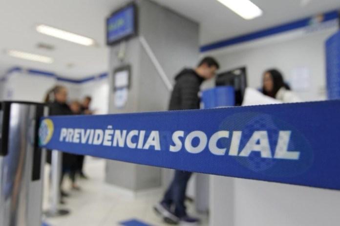 Reforma da previdência é desaprovada por luteranos, católicos e 51% dos brasileiros