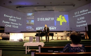 Pastor Dan Glenn fala na Igreja Batista Stetson em DeLand, Flórida, em 7 de julho de 2019. (Foto: Igreja Batista Stetson)