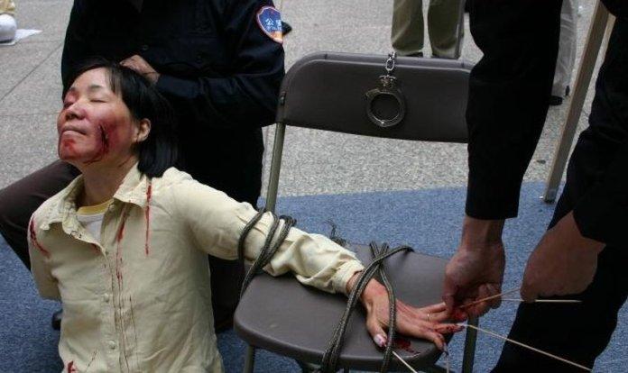 Cristãos são torturados na China
