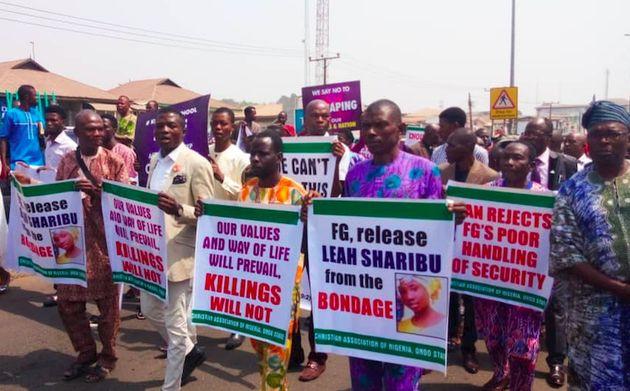 Cerca de cinco milhões de pessoas marcham contra a perseguição cristã na Nigéria