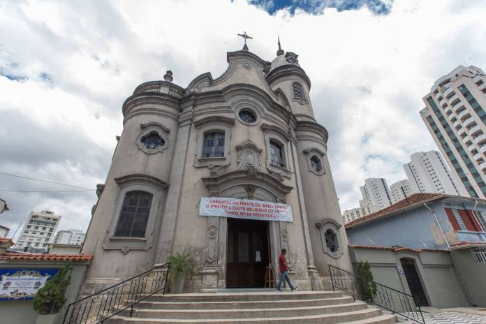 Paróquia São João Maria Vianey, na praça Cornélia, na Lapa, zona oeste de São Paulo