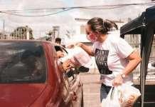 Membros da Igreja da Família, em recife, arrecadam alimentos para ajudar famílias atingidas pelo coronavírus (Foto: Mídia/Igreja da Família)