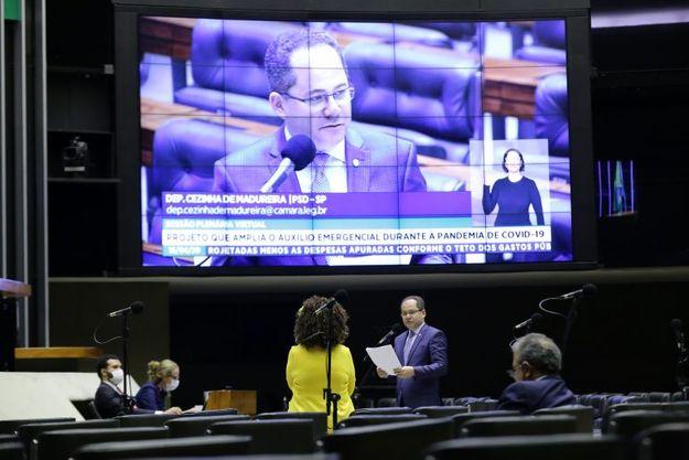 Câmara dos Deputados amplia lista de beneficiários do auxílio emergencial