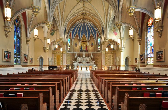 Igreja Católica vazia