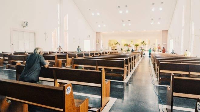 Igreja vazia durante pandemia do covid-19
