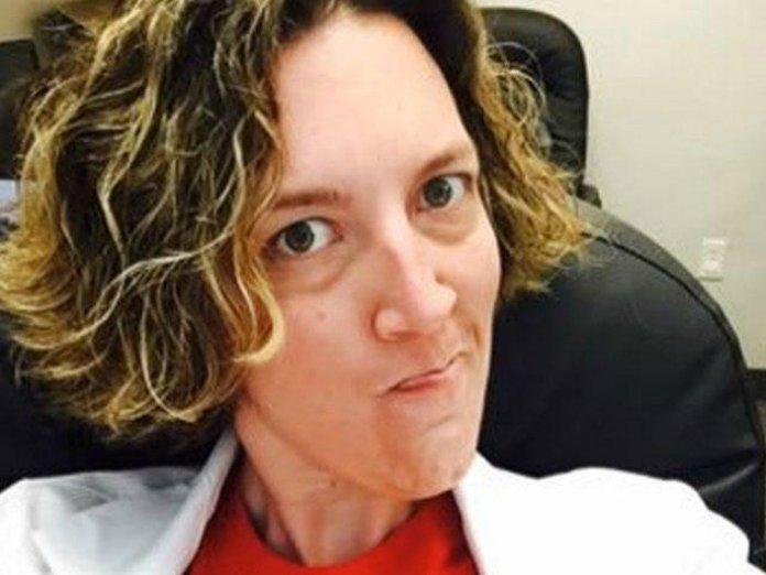 Leah Torres, médica abortista que perdeu licença no Alabama. (Foto: Reprodução / Live Action)