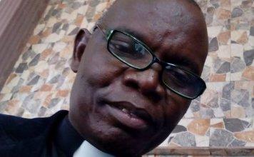 Amos Arijesuyo liderava a Igreja Apostólica de Cristo e era professor da Universidade Federal de Tecnologia, em Akure, na Nigéria. (Foto: Facebook / Arquivo pessoal)
