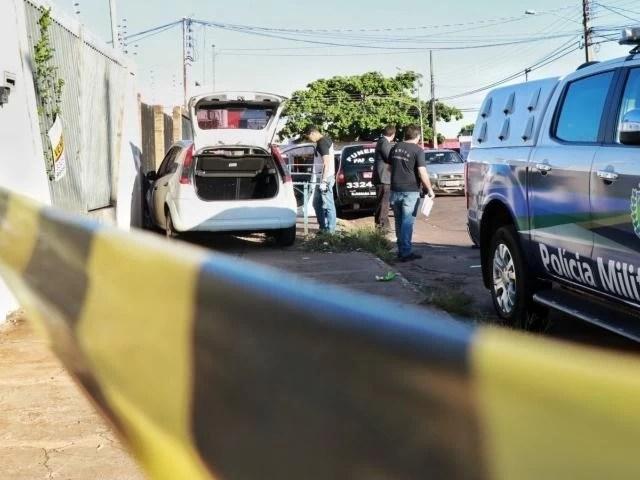 Read more about the article Corpo de homem é encontrado dentro de carro com 14 facadas na Capital