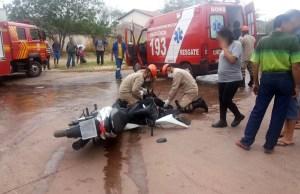 Read more about the article Mulher fica ferida em colisão entre moto e caminhão no Nova Corumbá