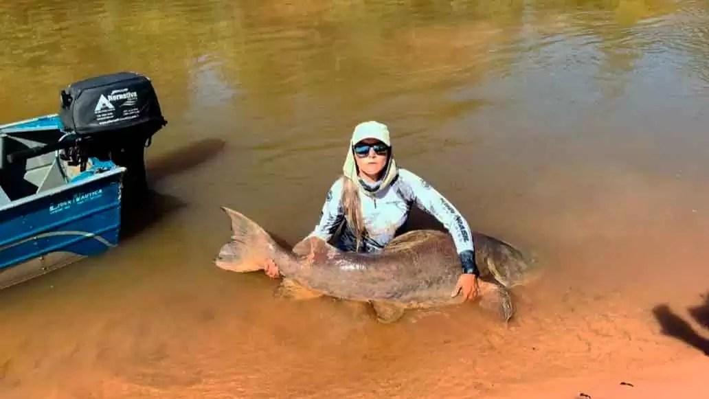 Read more about the article Dentista fisga jaú de 80 kg e 2 metros em rio de Mato Grosso do Sul