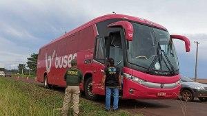 Read more about the article Com documentação vencida e sem vistoria, ônibus clandestino que seguia para Corumbá é multado pela Agepan