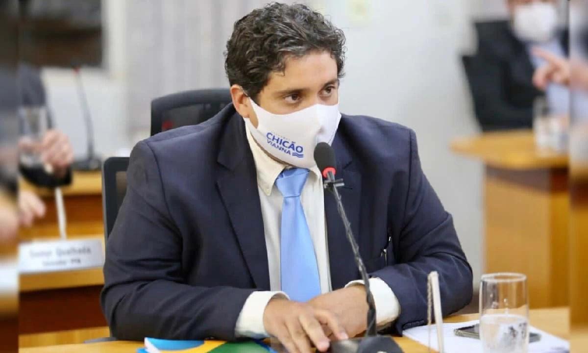 Read more about the article Vereador cobra detalhamento de contratos da Santa Casa e Secretaria de Saúde no Combate a Covid-19