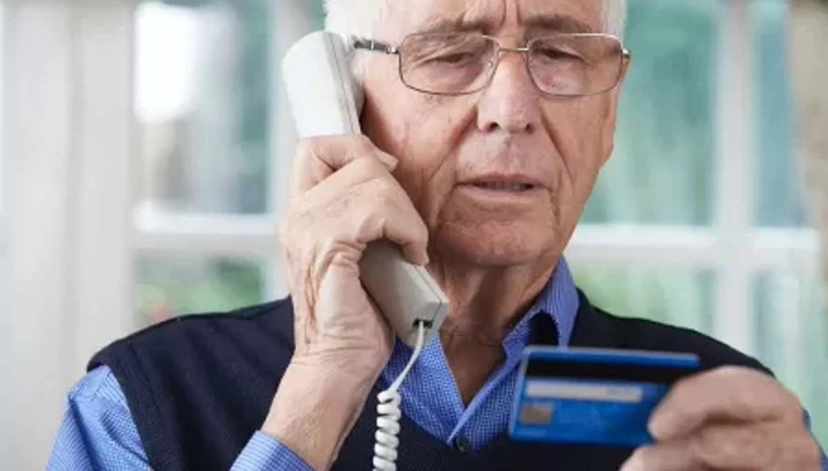 You are currently viewing Aprovado em primeira votação, projeto que proíbe consignado com aposentados por telefone