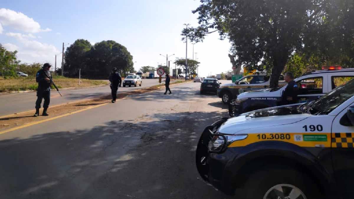 You are currently viewing Polícia Militar intensifica fiscalização e bloqueios na divisa com São Paulo