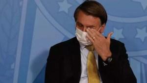 Read more about the article Bolsonaro diz que chora sozinho no banheiro e que esposa nunca viu