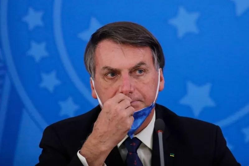 Read more about the article Sem vacina da covid-19, Bolsonaro é barrado de entrar em jogo do Santos