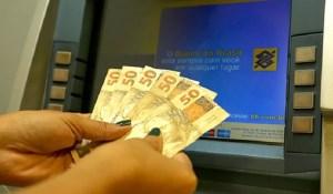 Read more about the article Governo deposita salários no Dia do Servidor Público