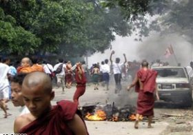O Cerco em Myanmar Aumenta