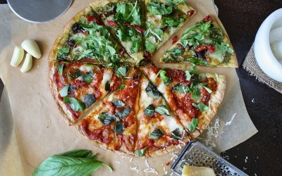 Lavkarbo pizza med fathead pizzabunn