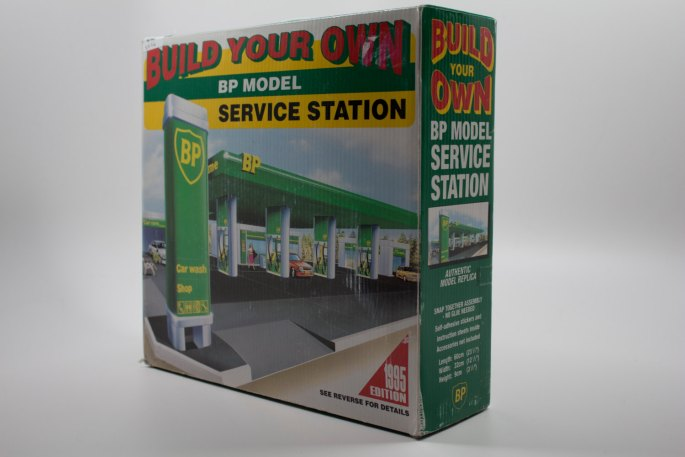Build your own BP Model Service Station New in Box