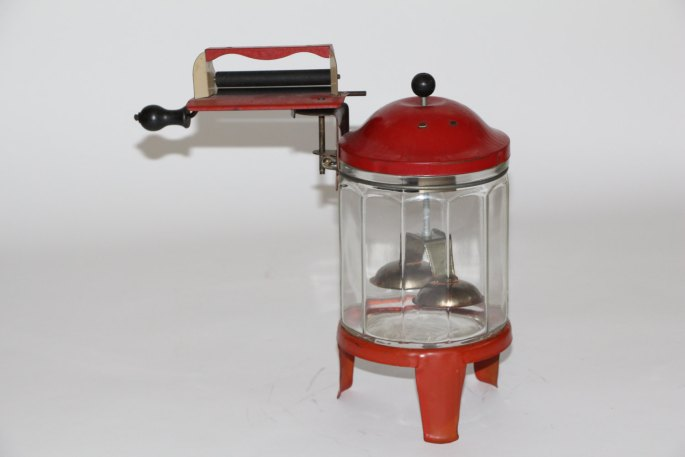 c1940 Wolverine Glass Toy Crank Washing Machine with Wringer
