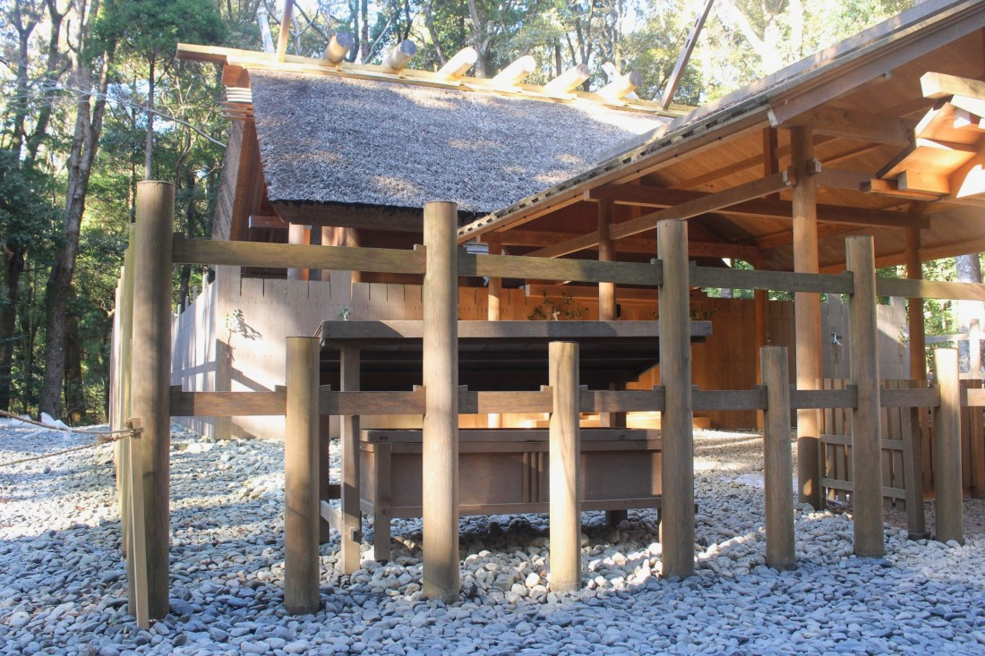 Side view of the area where Amaterasu in enshrined, Ise Jingu. Photography of the front is prohibited © Amy Elize 2017