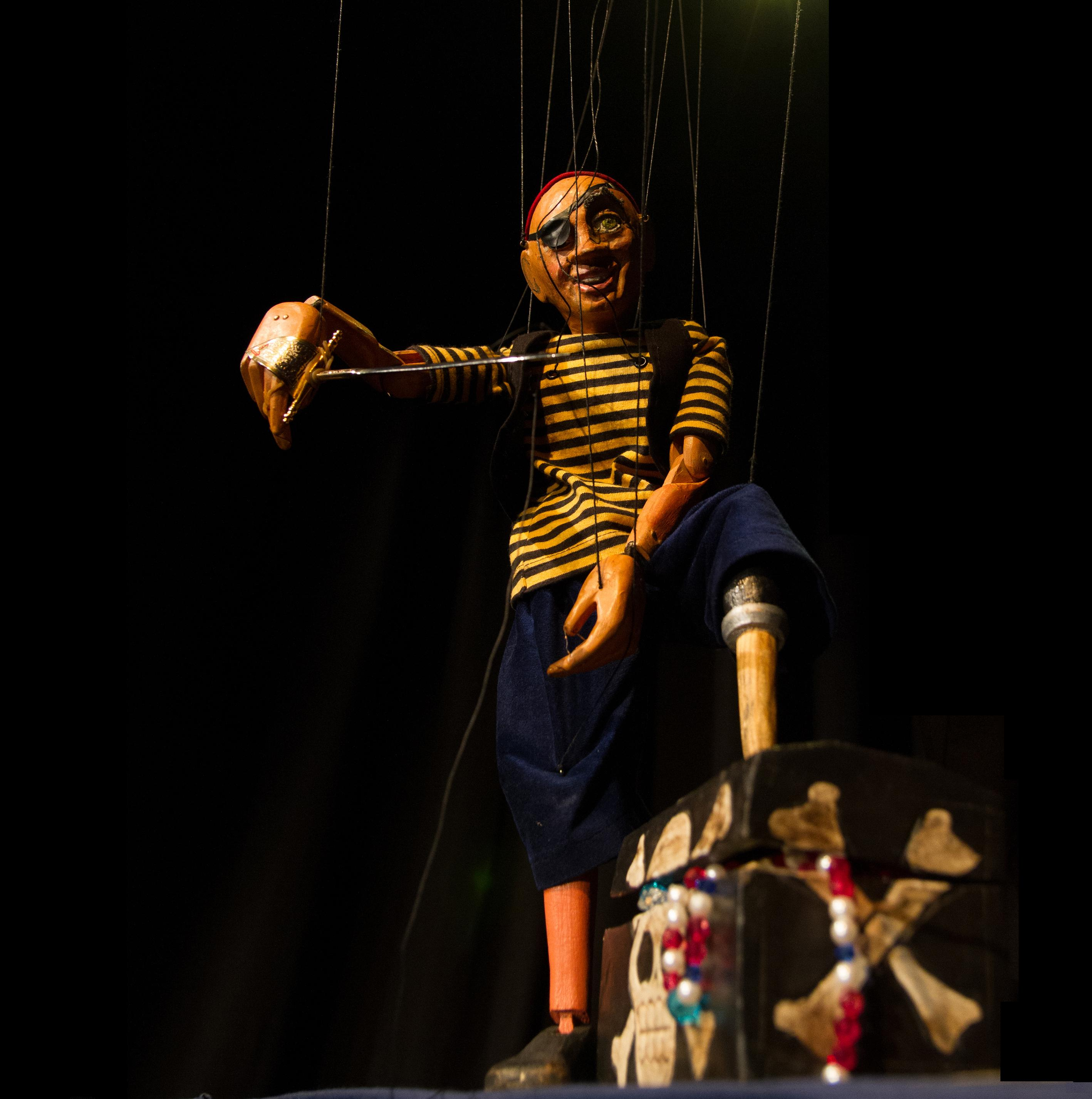 THE PIRATE'S TREASURE -MARIONETES NOMADES(Spain)