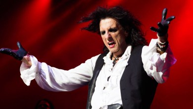 Photo of Alice Cooper Postponing Tour