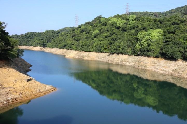 副水塘的水中鏡