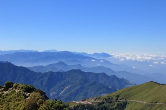 遠眺武嶺及一層層的山巒