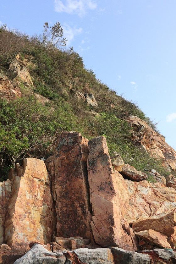 直立的岩柱