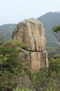 近看呂字疊石